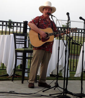 Western music entertainer Stan Corliss performed at the pool party.