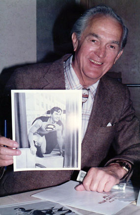 Kirk Alyn reminds us he was the original screen Superman. Taken at the Atlanta Film Caravan in 1985.