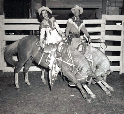 Dale Evans and Roy Rogers' horses take a bow.