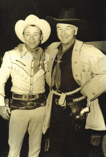 Roy Rogers and Hopalong Cassidy. Photo looks to be from the late '30s or very early '40s. (Thanx to Bobby Copeland.)