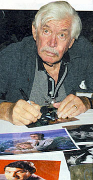 "Gene ""Bat Masterson"" Barry signs autographs at an L.A. collector's show in 2007."