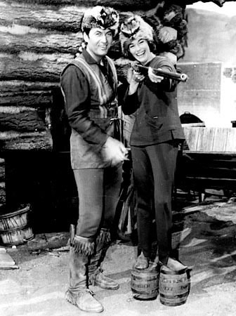 Fess Parker and his Daniel Boone stand-in Carol Lynton in 1965.