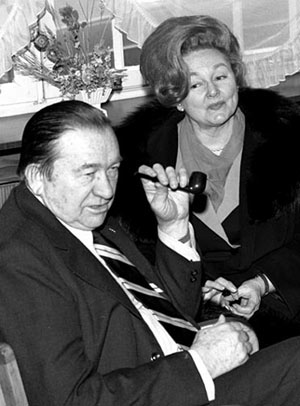Tex Ritter and wife Dorothy Fay talk to a reporter in Wiesbaden, Germany, on January 21, 1971, at the beginning of their tour of U.S. military bases in Europe.