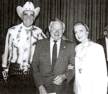 Sunset Carson and leading lady Anne Jeffreys with Raleigh, NC, mayor Avery Upchurch in the late '80s. Upchurch was mayor from '83 to '93. (Thanx to Nikki Ellerbe.)