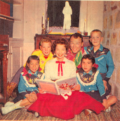 Christmas 1959 with the Rogers family (L-R) Dodie, Dusty, Dale, Roy, Debbie and Sandy.
