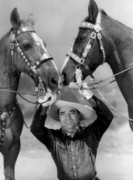 Tom Mix with his two Tony horses in 1932. (Thanx to Bobby Copeland.)