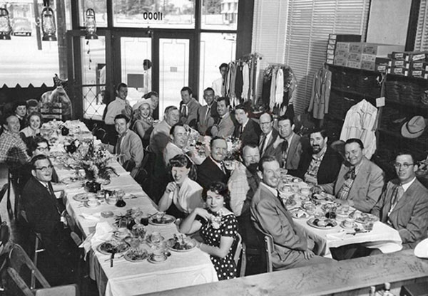 Wouldn't you have loved to have been at this '50s western luncheon? Starting at the left table, unknown man and woman, Nudie, three unknown women, Sheb Wooley across from Nudie, two unknown women. Table on the right: Rex Allen, Roy Rogers, Gene Autry, Eddie Dean, Max Terhune, unknown woman, Bill Williams, Jock Mahoney, Doye O'Dell across the table, unknown man, Don Diamond, unknown man, Tim Spencer, Tex Williams, Pat Buttram, Tex Ritter, Joe Maphis. (Thanx to Jerry Whittington.)