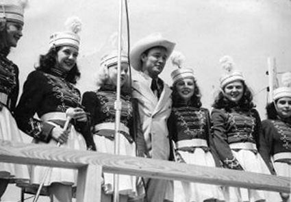 Roy Rogers poses with the Hillsboro, OH, High School majorettes during a visit on July 11, 1947.