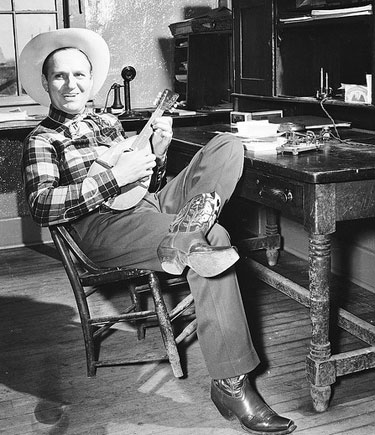 Gene relaxes in Gene Autry, OK, in 1941. (Thanx to Jerry Whittington.)