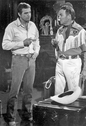 "Lee Majors and 71 year old Roy Rogers on the ABC TV ""Fall Guy"" episode ""Happy Trails"" in 1983. (Thanx to Neil Summers.)"