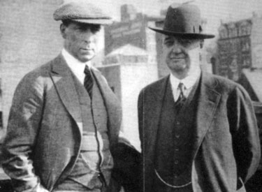 n October 7, 1921 just 18 days before his death, Bat Masterson (right) stands with William S. Hart on the roof of the NEW YORK MORNING TELEGRAPH building. (Thanx to Neil Summers.)