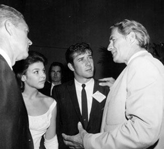 Jock Mahoney tells a few Tarzan stories to Bill Williams, Patti Lyons and Robert Fuller in 1962. (Thanx to Terry Cutts.)