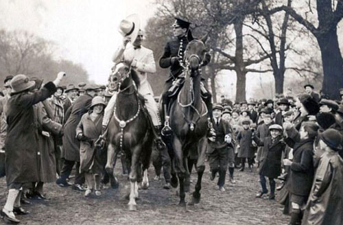 Tom Mix in London Park, England in 1925.