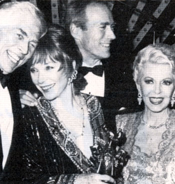 James Coburn with Shirley MacLaine, Clint Eastwood with Lana Turner during the Thalians Ball in October 1986 honoring Shirley as Ms. Wonderful.