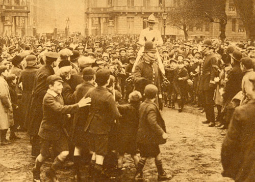 Throngs of admirers greeted Tom Mix upon his arrival in London, England in 1925.